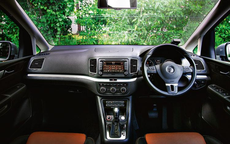 volkswagen-sharan-interior