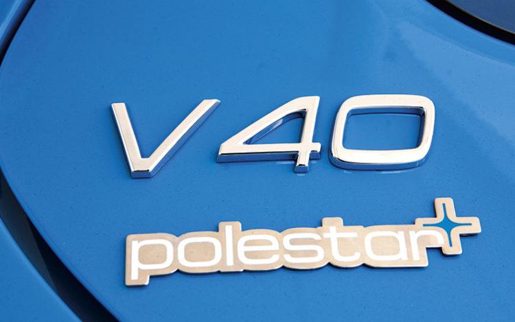 volvo-v40-t4-r-design-polestar-badge