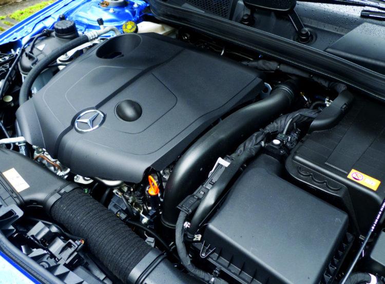 Mercedes-Benz-A220-CDI-engine