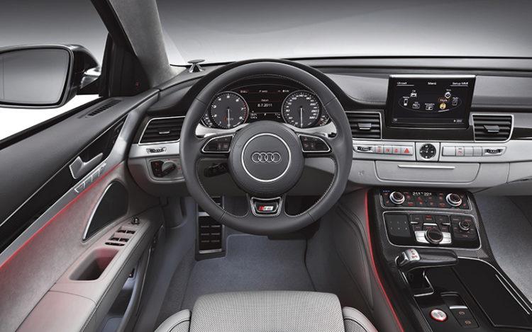 audi-s8-cockpit