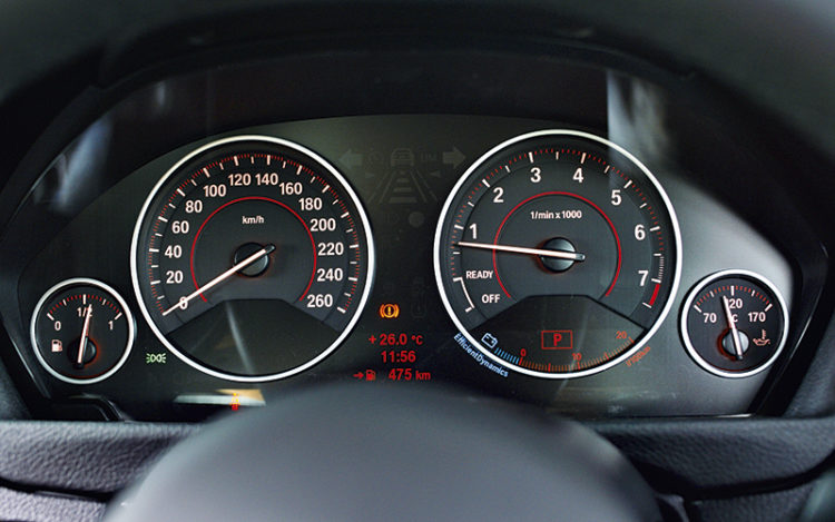 bmw-316i-gauges