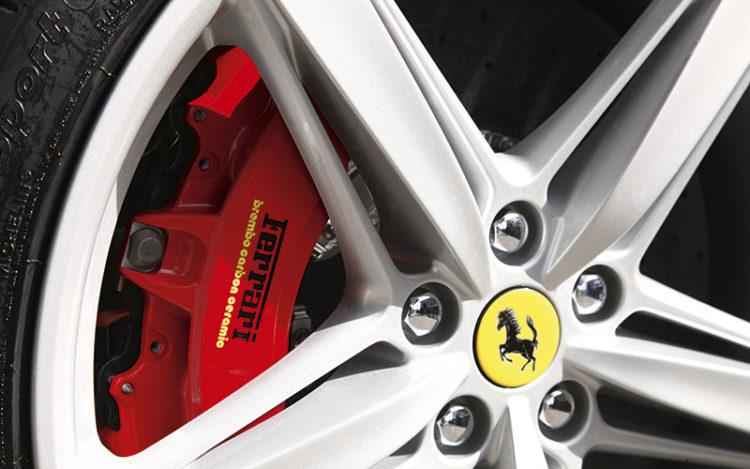 ferrari-f12berlinetta-brakes