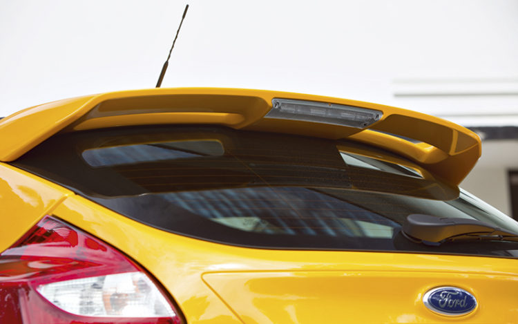 ford-focus-st-rear-spoiler