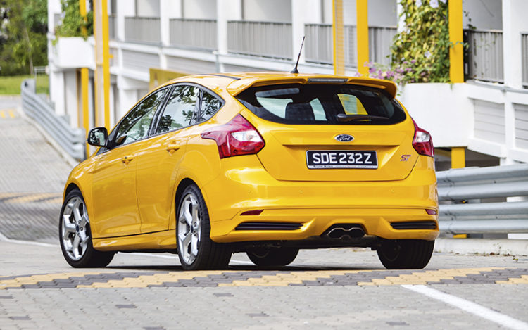 ford-focus-st-rear-static