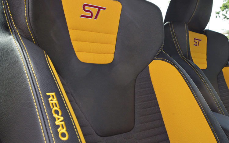 ford-focus-st-seats