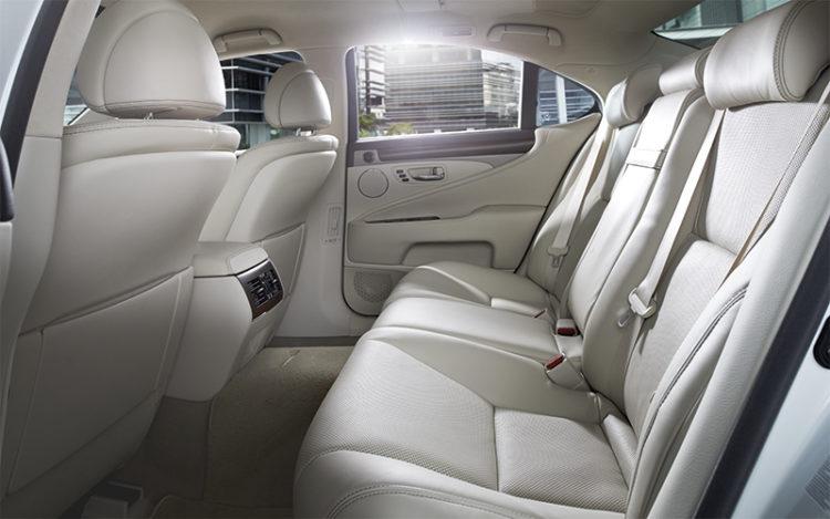 lexus-ls460-backseat