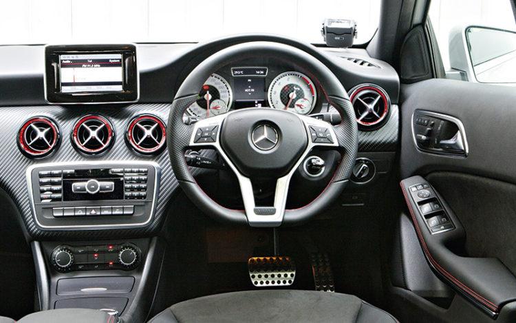 mercedes-benz-a250-cockpit