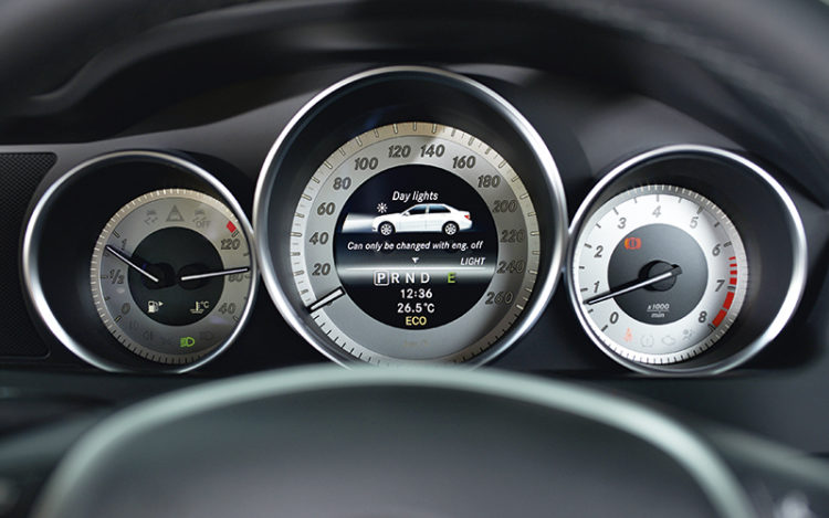mercedes-benz-c180-gauges