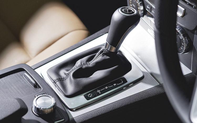 mercedes-benz-c180-gearshift-lever
