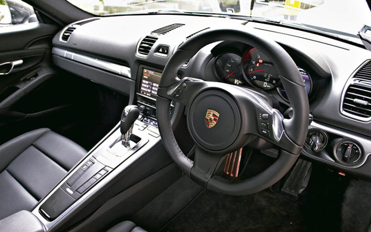 porsche-cayman-cockpit