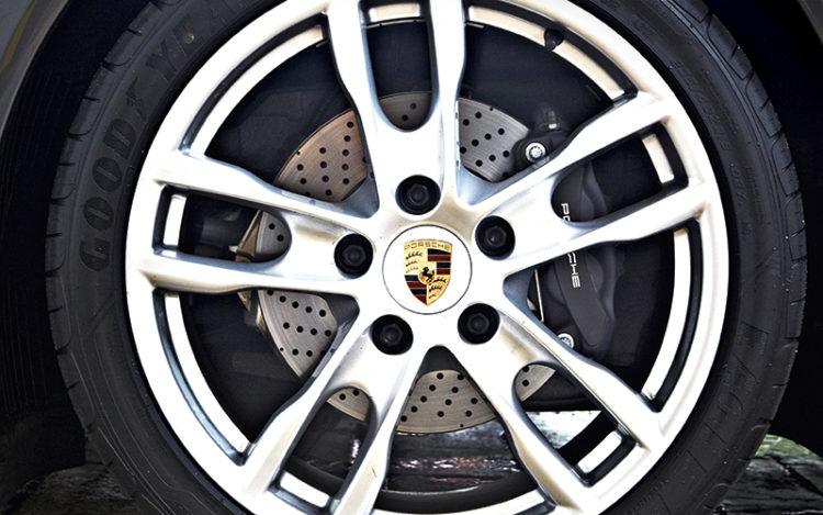 porsche-cayman-wheel