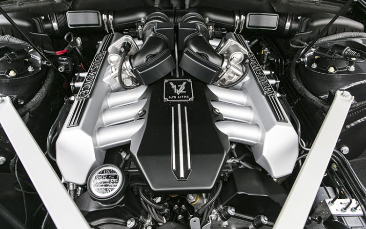 rolls-royce-phantom-engine