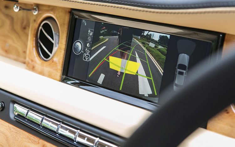 rolls-royce-phantom-reversing-camera