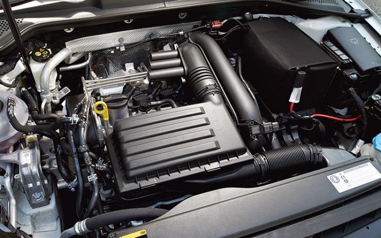 volkswagen-golf-engine