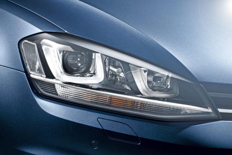 volkswagen-golf-headlight