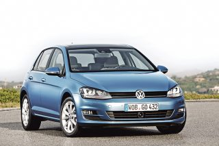 volkswagen-golf-static-front