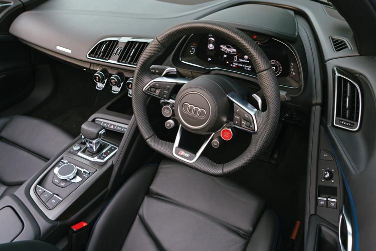 audi r8 spyder cockpit