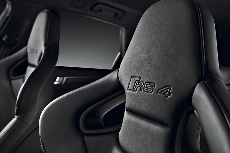 audi-rs4-avant-seats