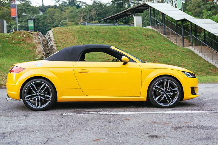 audi tt roadster roof closed
