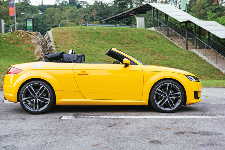 audi tt roadster roof open