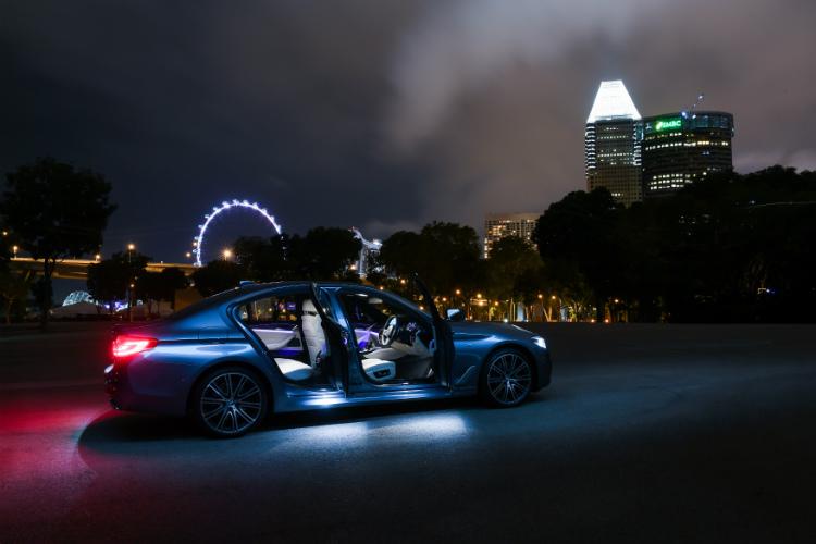 Bmw 5 Series At Night