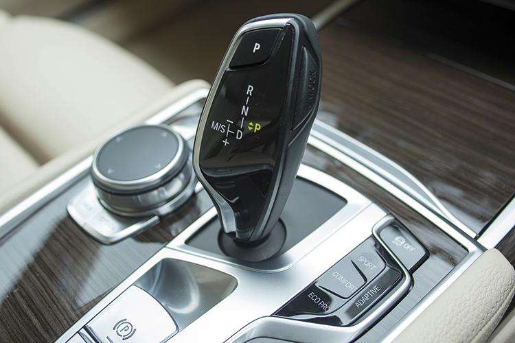 BMW 740Li's gearshift lever looks like it belongs in a fighter jet.