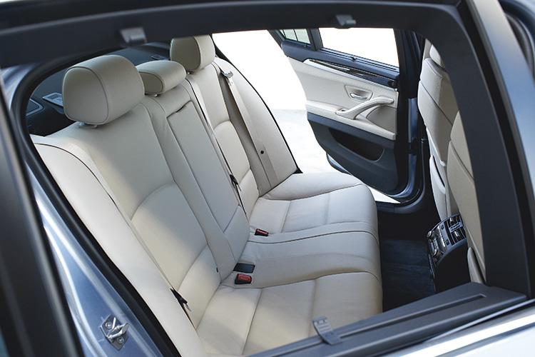 bmw-activehybrid-5-backseat