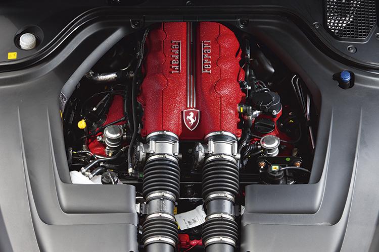 ferrari-california-engine