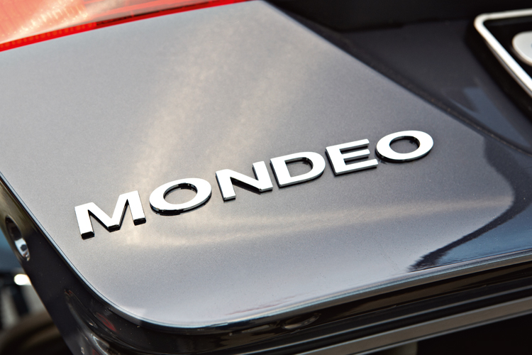 ford mondeo badge
