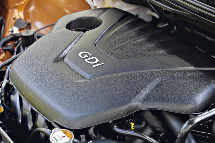 hyundai-veloster-engine