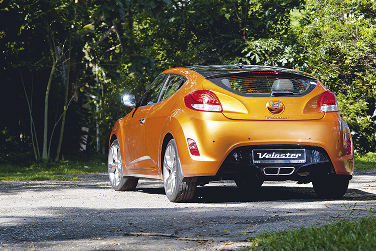 hyundai-veloster-rear-static
