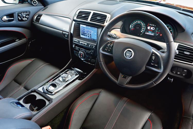 jaguar xkr-s cockpit