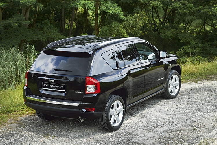 jeep-compass-rear-static