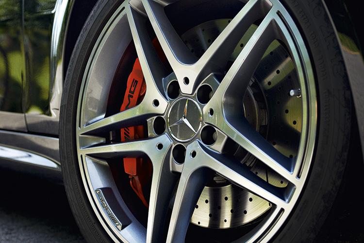 mercedes-benz c63 amg brakes