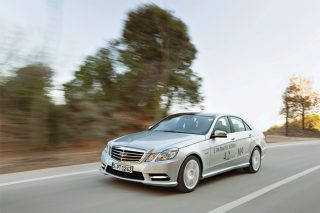 Mercedes-Benz E300 BlueTEC Hybrid main shot