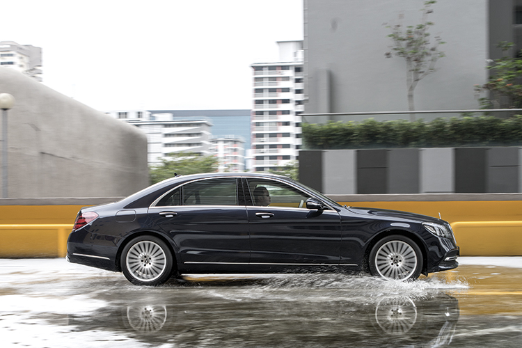 The Mercedes-Benz S320L demonstrated its cossetting abilities.