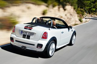 With two seats instead of four and sitting 20mm lower, the MINI Cooper S Roadster looks a lot less stroller-like than its Cabriolet sibling.