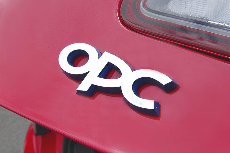 opel-astra-opc-badge