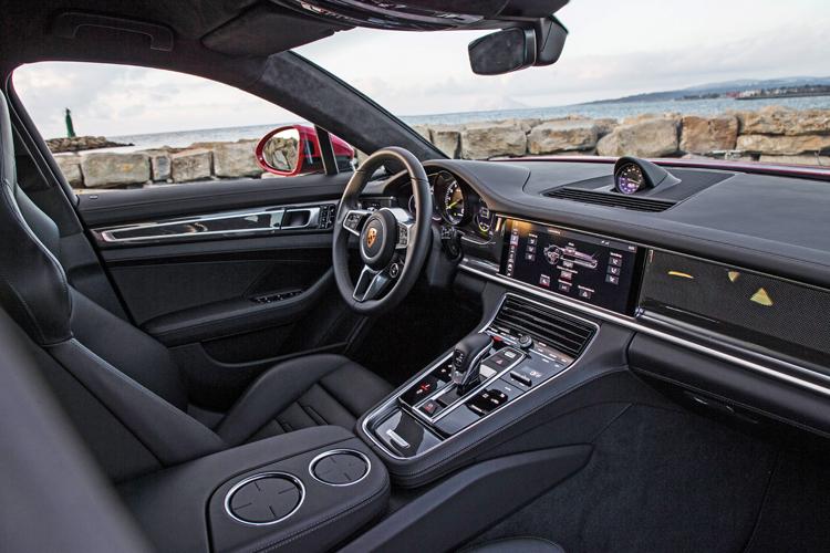 porsche panamera turbo s e-hybrid sport turismo cockpit