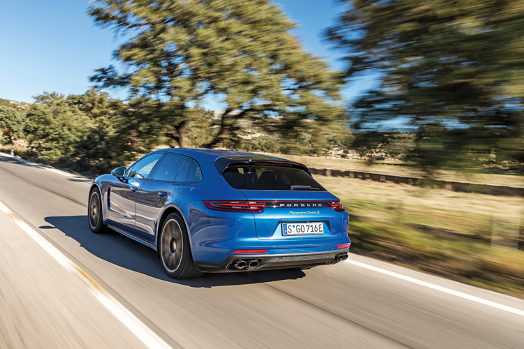 The Porsche Panamera Turbo S E-Hybrid has 680hp and 850Nm, and is equipped with optional rear-wheel-steering, so you wouldn't think that this plug-in petrol-electric estate weighs over 2.3 tonnes.