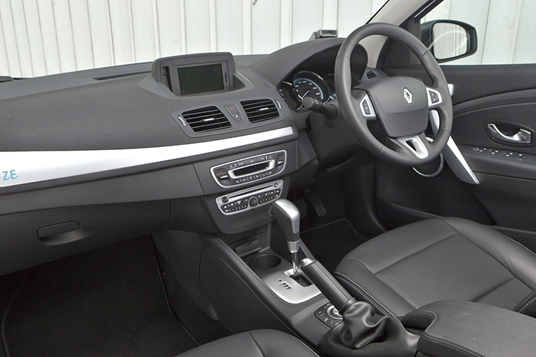 Renault Fluence Z.E. cabin is roomy and has the usual Renault amenities.