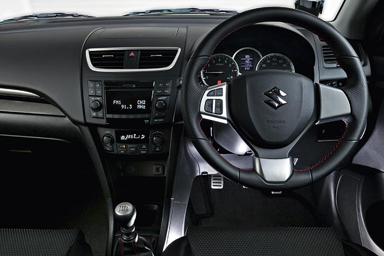 suzuki swift sport cockpit