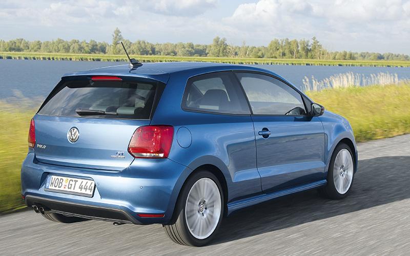 volkswagen-polo-bluegt-rear-tracking.jpg