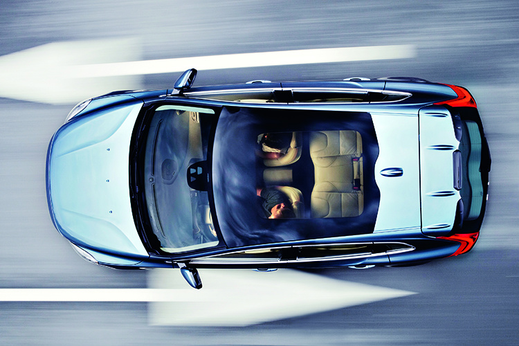2012 Volvo V40 is a fortified premium hatchback | Torque