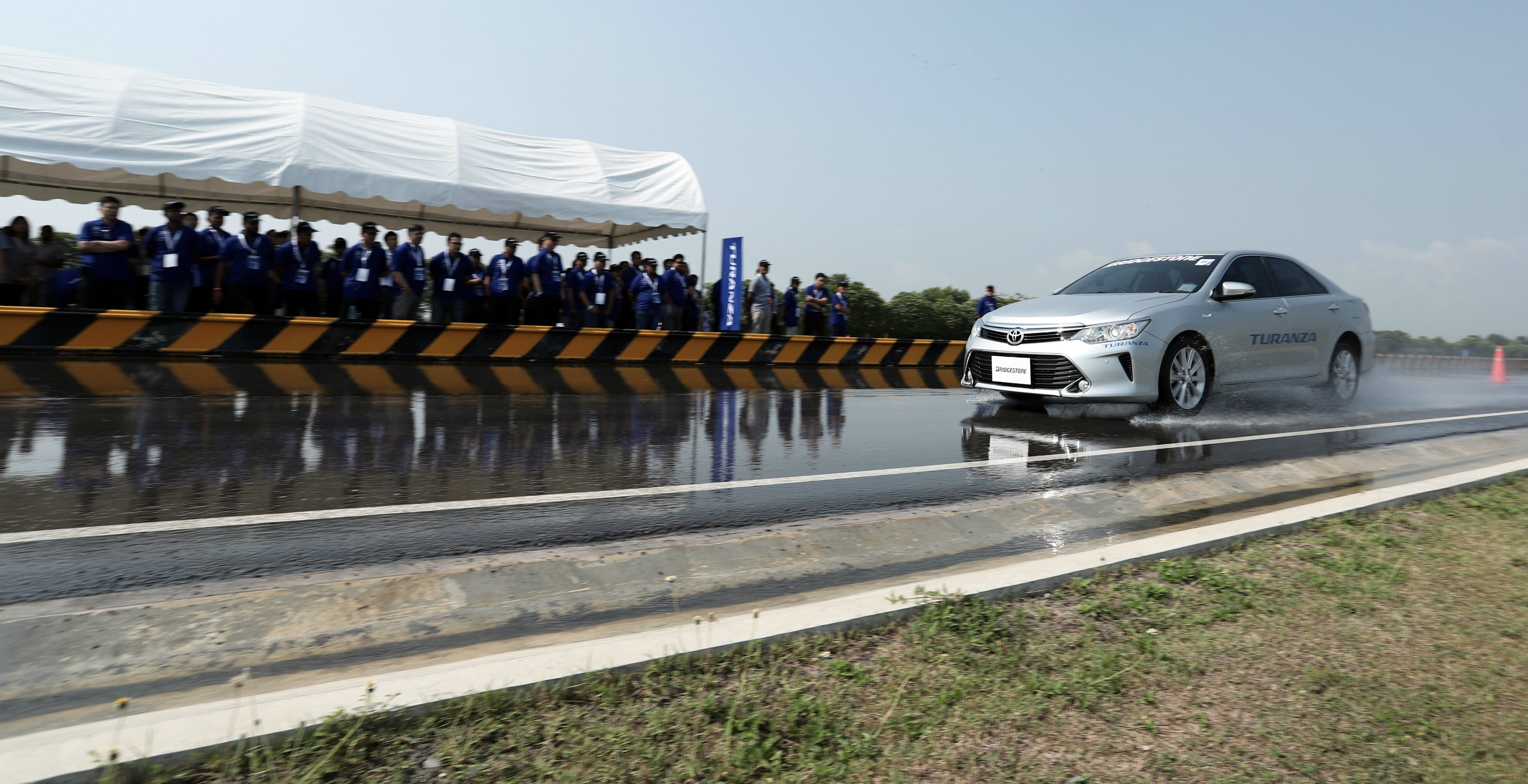 Bridgestone exhausted every technical possibility to create the new Turanza T005A and demonstrated the positive results at its Ayutthaya proving ground.
