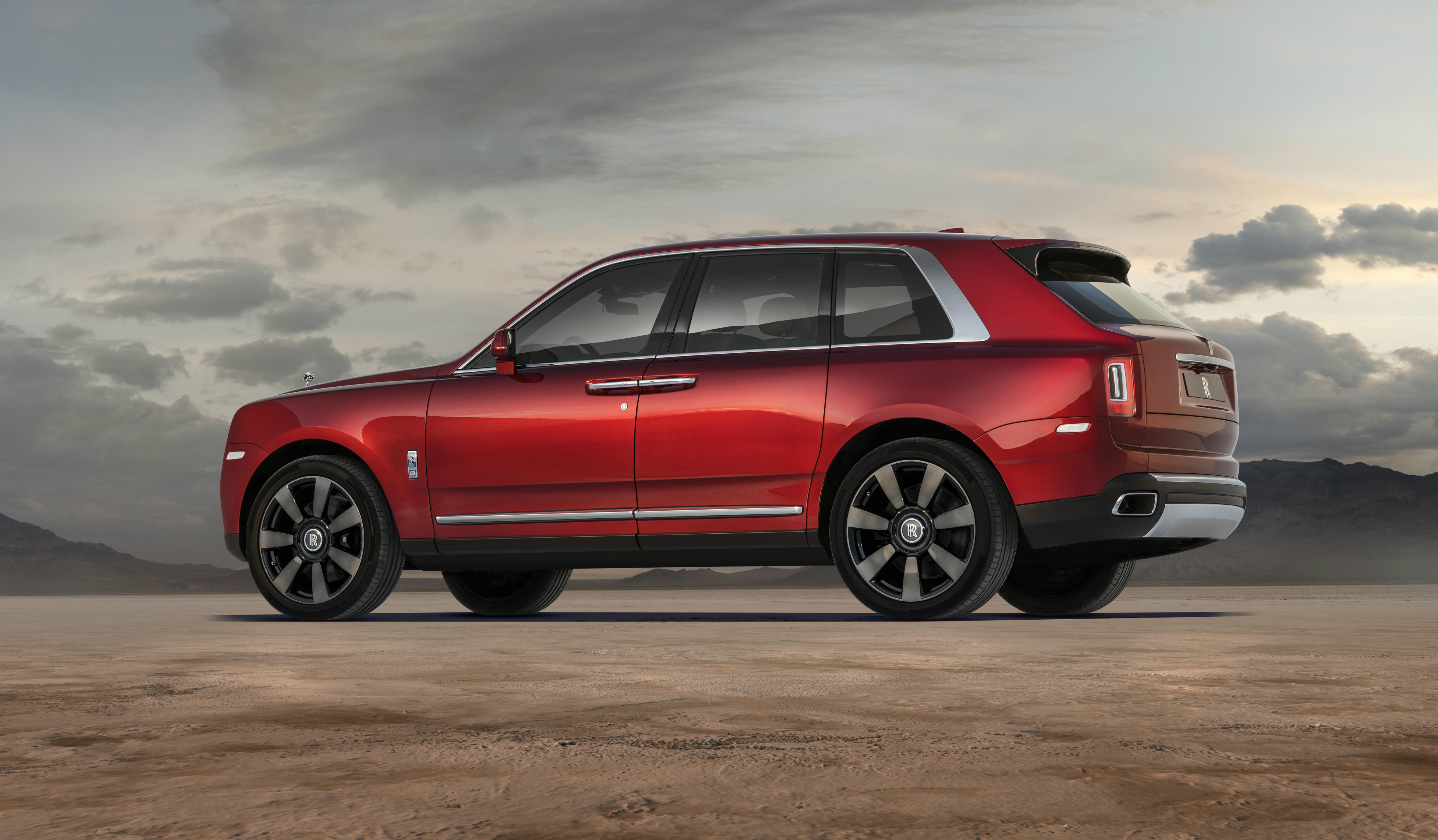 The Rolls-Royce SUV is a titanic flagship that overshadows the Bentley Bentayga and the finest Range Rovers.