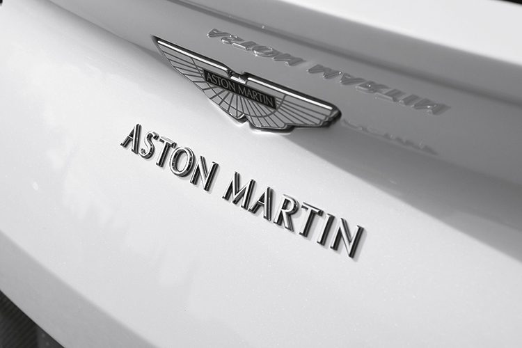 aston martin db11 v8 badge