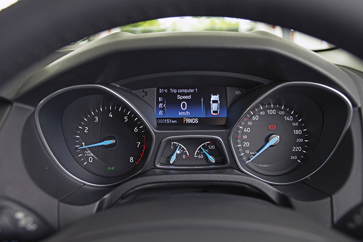 Ford Focus – Meters