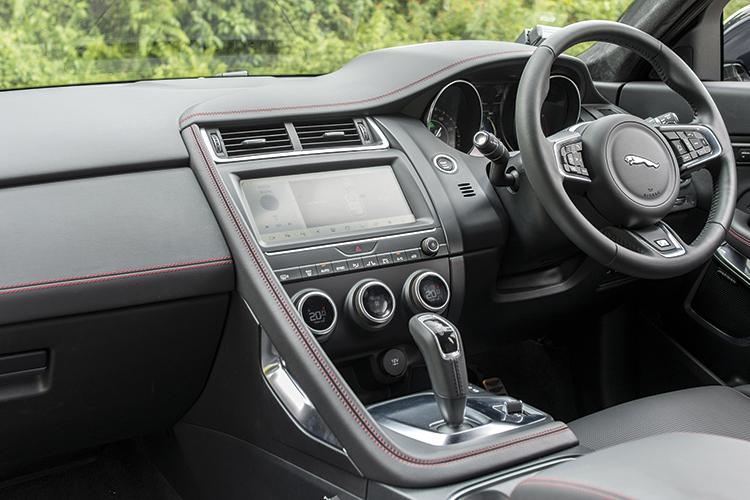 Jaguar E-Pace – Cockpit