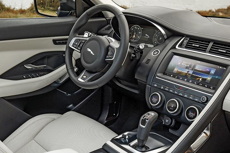 jaguar e-pace cockpit